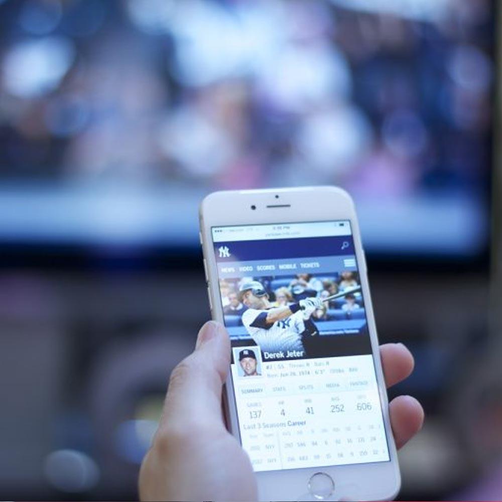 5 DE CADA 10 PERUANOS ACCEDE A INTERNET MIENTRAS VE TELEVISIÓN