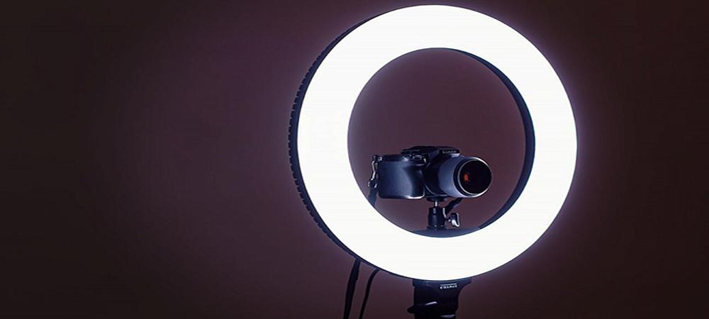 Conozca los anillos LED  para iluminar tus selfies y vídeos