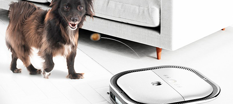 El cuidador de mascotas inteligente: ¡limpia tu piso mientras alimenta y cuida a tu perro!